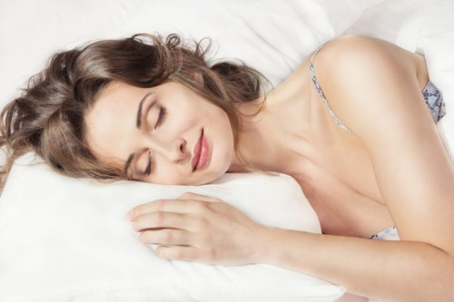 Giấc ngủ mang lại vẻ tươi trẻ cho phụ nữ