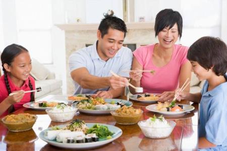 Bữa cơm gia đình vừa đủ dinh dưỡng, lại đảm bảo VSATTP.