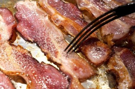 Ăn thịt đã qua chế biến làm tăng nguy cơ tử vong ở mọi nguyên nhân